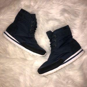 Adidas SLVR Women's winter boots size 7.5